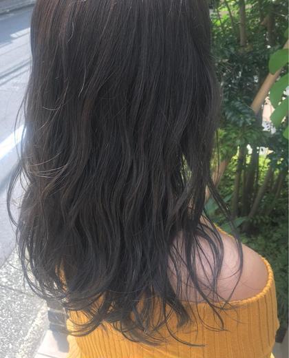 【 イルミナカラー × シアーグレージュ 】  光に透ける透明感 と ほのかに感じる淡いグレー の大人気カラーです ♪   高江秀聡のヘアスタイル・ヘアカタログ