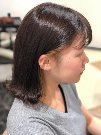 耳にかけた時にさり気なく見えるメッシュ。 カラーはイルミナカラーのヌード! Ash 川口店所属・松崎文香のスタイル