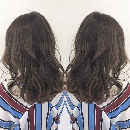 イルミナカラーカット 神田やすゆきのセミロングのヘアスタイル