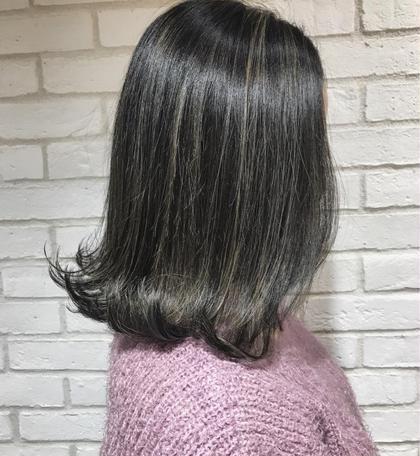 カラー ミディアム WEST COASTハイライト‼️ ハイライトをくっきり目立たせて立体感とオシャレ度UP❤️  美容室が決まらなくてコロコロ変わっている方‼️何も言わずに3回僕に任せてください♫  今までなれなかった最高のカラーを提供します 僕のカラーは他の美容師さんがやるカラーリングとは違い、 色を強調させるのではなく髪の毛の赤味・黄色味・ブラウン味など、全ての色を抑えることによって究極の透明感を出すカラーです♫