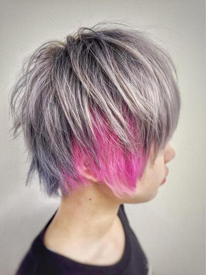 今年流行色のブルー(ブルーアッシュ)、コーラルピンクを使い分けてみました。インパクト&モード感を組み合わせて「2016 SS」を楽しめる様な Style です。  color : BLEACH→blue ash inner : coral pink   Style : ショートマッシュ  total  : 2時間 前後  price : ¥ 20,000 LANGE - Room.所属・TaguchiYuyaのスタイル