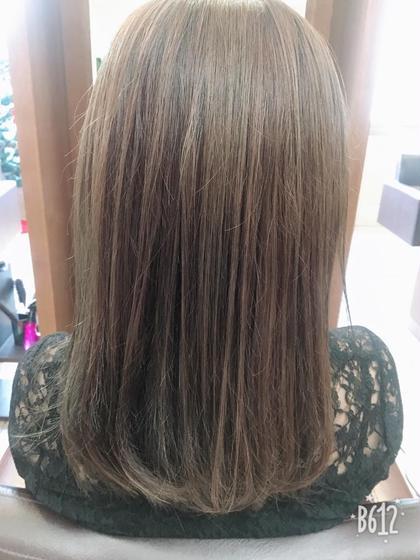 オリーブアッシュ⭐️  元の髪色が明るい方なのでブリーチなしでもこの透明感✨ Neolive  krea所属・トオミネマユのスタイル