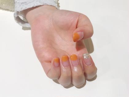 明るいオレンジカラーも人気です 松岡菜月のネイルデザイン