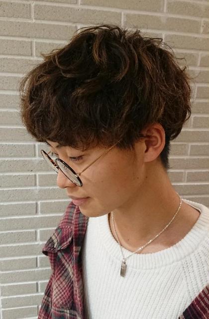 ふわふわパーマで柔らかさを出したマッシュスタイル☆ 伊木千晴のメンズヘアスタイル・髪型