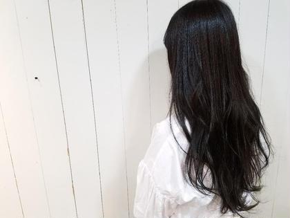 ダークな色で毛先に透け感を。 hair brace所属・今井亮汰のスタイル