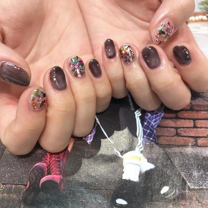 ネイル ふわっとムラ塗りブラック×キラキラ  石の指はパーツ代別途 1本250円です♡ ありがとうございました!