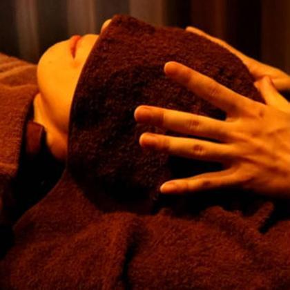 乾燥はお肌の敵😭社会人の方限定🎉美顔鍼(美容鍼)+ヘッドマッサージが1500円😊♥️
