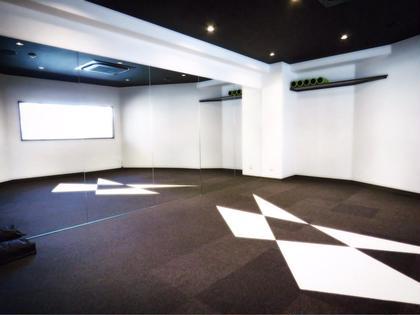 レッスンスタジオも併設してます☺️✨‼️‼️‼️ パーソナルトレーニングと併用出来るので、更に効果大‼️‼️ the UNISON coreworks&conditioning所属・加藤ふみのフォト