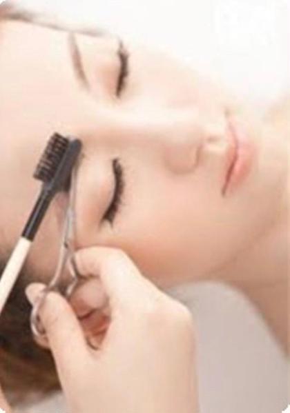 眉毛書きレッスン 『 眉毛カット & 眉書き 』約30分⚠️30年12月5日〜31年1月3日この施術は休止します