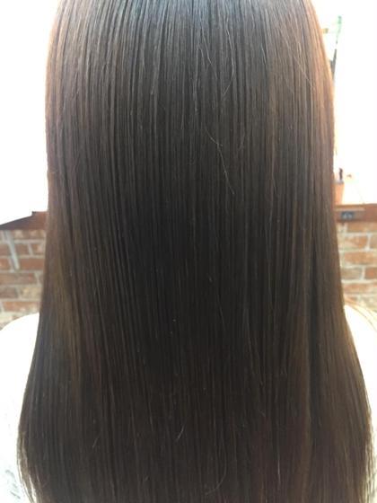 脱 縮毛矯正   美髪革命 新質感矯正トリートメント  髪の残留物(oにHを+)して水分アップすることにより 潤いとツヤ