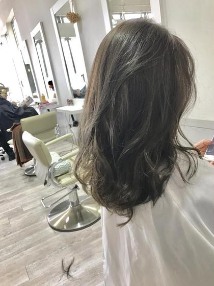 グレージュカラー e-style白土店所属・塩見健太のスタイル
