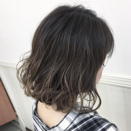 ❣️🍀人気の定番メニュー🍀❣️カット+外国人風透明感カラー+極潤トリートメント❣️素敵な髪型にしてヘアカラーも⭐️