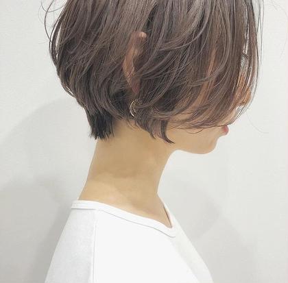 女性らしく柔らかいシルエットで 動きやすく 新地琢磨のショートのヘアスタイル