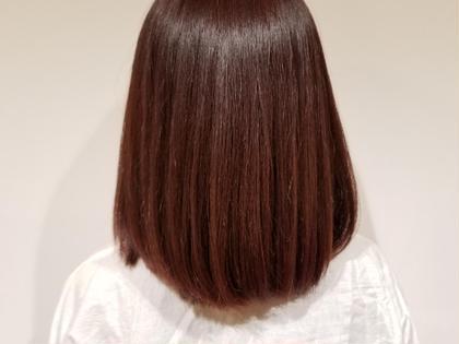 一度髪を裸にしてからトリートメントをしっかり入れさせていただきます。 SHRIMP久屋大通店所属・柘植 俊希 ツゲ トシキのスタイル