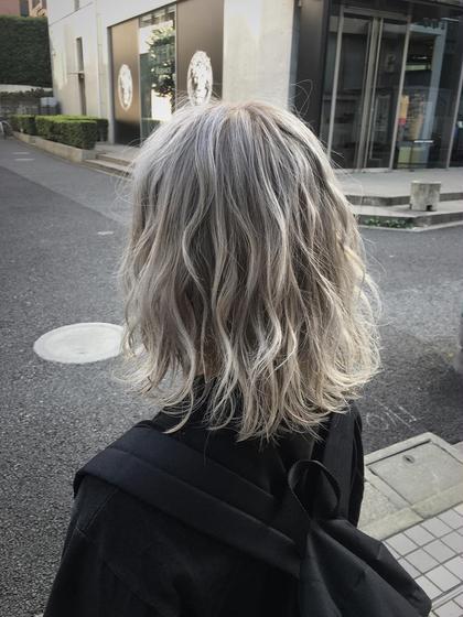 ホワイトアッシュ!夏ですよ^o^ ハイトーン、お任せ下さい 鈴木成樹のショートのヘアスタイル