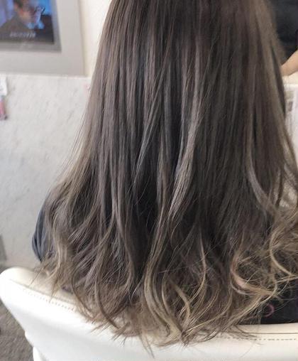 毛先にホワイトブリーチを施して透明感を出してます( ^ω^ ) 河合秀明のスタイル