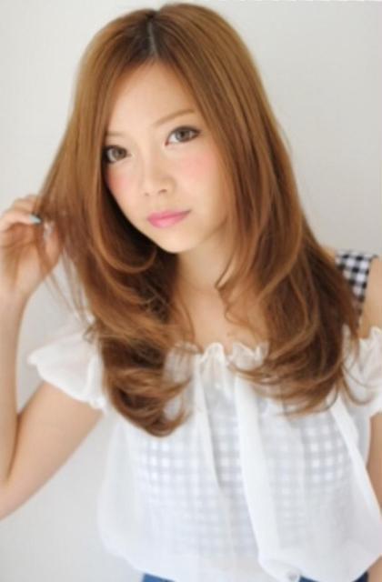 透明感のあるカラーであなたの魅力アップ⬆️ ロングストレートでも飽きさせないカラーであなたの魅力アップ⬆️ bolge所属・松村幸子のスタイル
