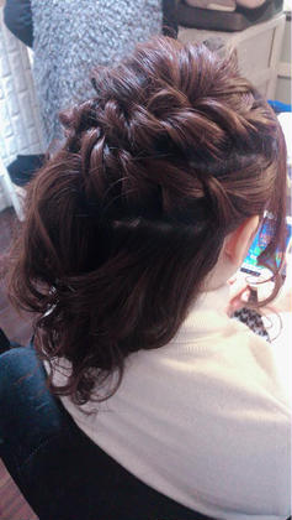 ツイストサイドのハーフアップ✨💐✨ MARIA'SFACTORY所属・hair&makeMiiのスタイル