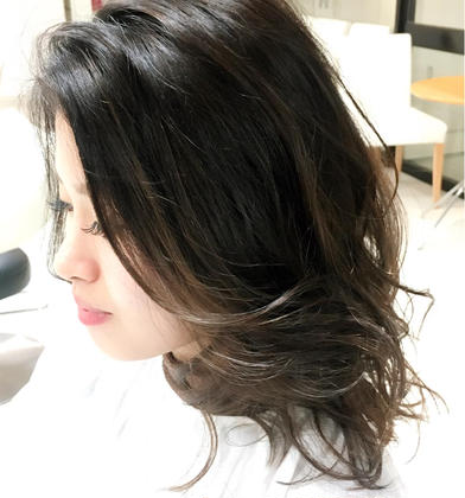 寒色系の3Dカラーをオンして暗い髪でも動きのでるスタイルに仕上げました✂️✨ essensuals銀座所属・今井隆太のスタイル