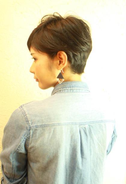耳掛け、個性かひかります!可愛くなれる魔法のショートスタイル! Tonukoa Rua所属・山田英司のスタイル
