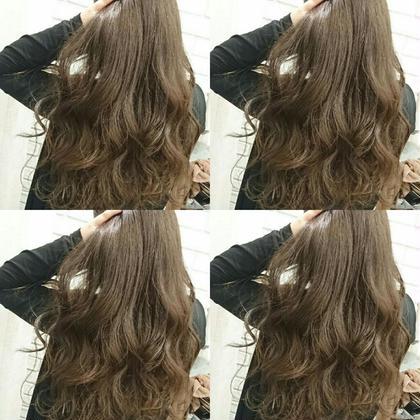 赤みの強い毛をマットで押さえ込んだアッシュブラウン AUBE hair shine所属・藤原末唯のスタイル
