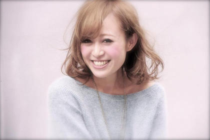 透明感あるプラチナアッシュなボブ☆ ハイトーンながら少し大人めな雰囲気も出します☆ CHERIE hair design所属・キムラユウタのスタイル