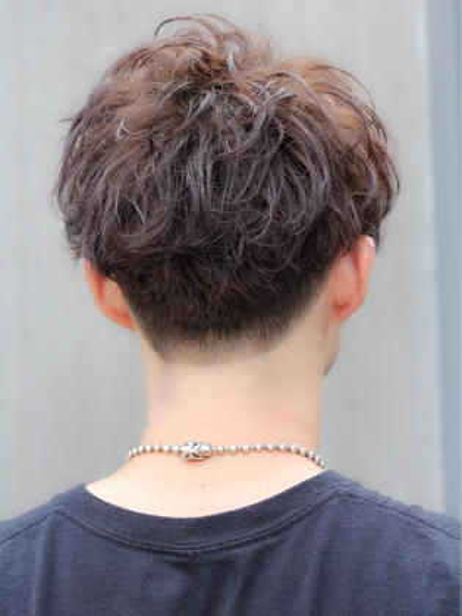 刈り上げ men'shair川久保光のショートのヘアスタイル
