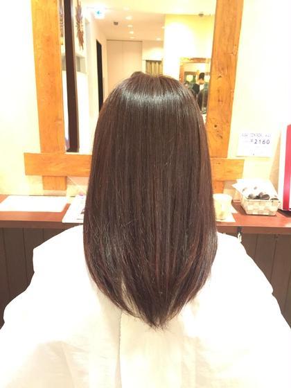 傷みが気になるということで、艶っぽく見えるように赤系の色をいれさせていただきました。aujuaの2ステップトリートメントも同時に行い、つやつやさらさらになりました!! ALBA   hair resort所属・福岡愛のスタイル