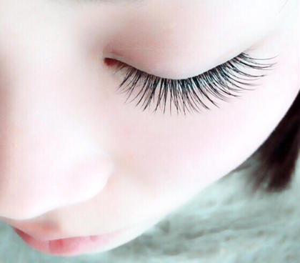 睫毛エクステ120本 閉じた時も綺麗♡ ¥4800 アパカバール北花田店所属・中川莉沙のスタイル