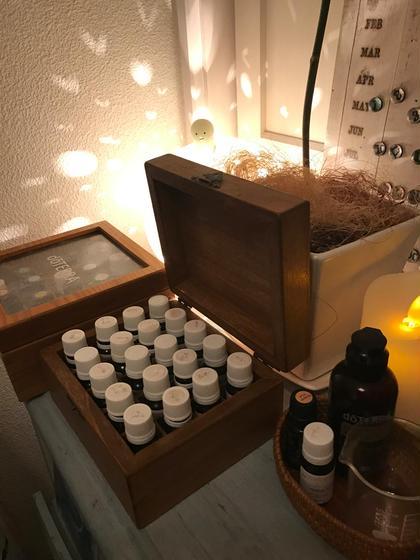 使用しているエッセンシャルオイル。 現在はゼフィールという老舗のメーカーさんの物を使用しています。 フランスでは薬局でも処方されている程の厳選されたもので、日本に入ってきた際に成分分析も行っています(有料にて申し込必要) ※日本では雑貨扱いになります 温活×代謝改善サロンRetreat(リトリト)所属・リトリトカキウチのフォト