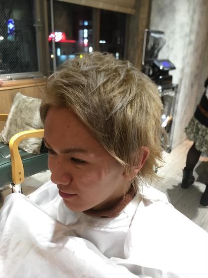 ブリーチして、シャンパンゴールドのカラーです!! MODEK's  TESORO川西能勢口店所属・石峯大嗣のスタイル