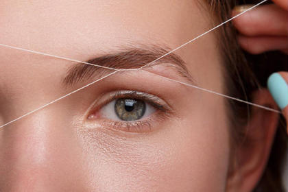 スレッディング(糸脱毛) 全顔➕眉毛   毛を糸に絡めて産毛やムダ毛を脱毛したり、眉の形を整える、美眉スタイリング
