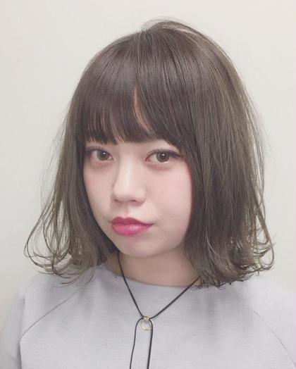 カラー ミディアム 切りっぱなしボブ☆ 内巻き外はねmixの透明感ばっちり プラチナアッシュカラー