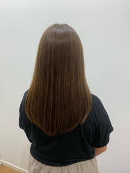 梅雨時期対策☂️ツヤツヤサラサラ縮毛矯正✨数種類の薬剤で髪質に合った薬剤を使用します!!トリートメントサービス✨