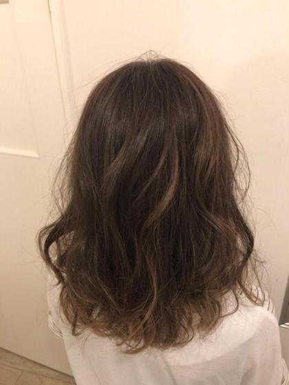 ブリーチ無しでナチュラルアッシュカラー! 透明感もしっかり出せます(^^)/ Cecil hair 神戸店所属・RYO-TA のスタイル