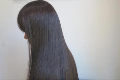 【縮毛矯正】 お客様の髪質に合わせた『薬剤選定』 極力『自然なストレート』をテーマに施術させていただいております。 お気軽にご相談ください! ボテフォレパン所属・高木久乃のスタイル