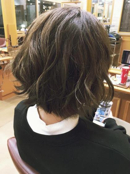 ラベンダーベージュで赤みを消して柔らかい仕上がりに✨ 高田沙貴のショートのヘアスタイル