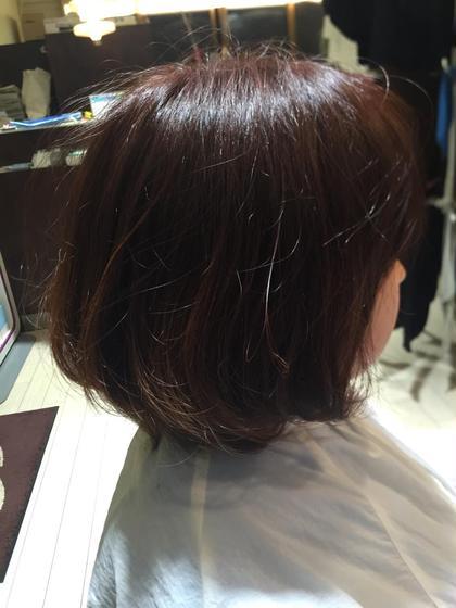 ピンクアッシュのカラーに毛先にベージュのグラデーション!! ワンカール巻いてあげると毛先に動きが出てゆるふわになります。 Lucy Hair&Beauty所属・池田有汰のスタイル