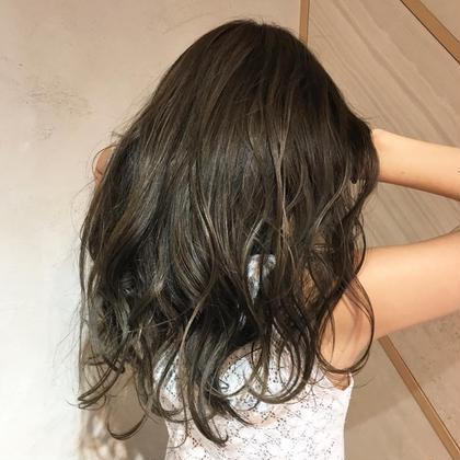カラー ロング ハイライトとローライトのMIXカラー 使用しているのはもちろんイルミナカラー  全体的に赤味をしっかり消してあるので光にあたるとより可愛いヘアカラーです! tokioトリートメントもしているのでつやさらな髪の毛に仕上がっています