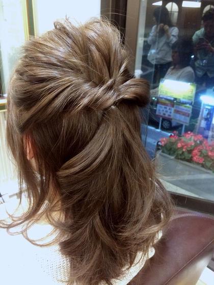 アッシュベージュ 32㎜のコテで仕上げてます *ヘアアレンジ* CAPA hair design所属・小川優希のスタイル