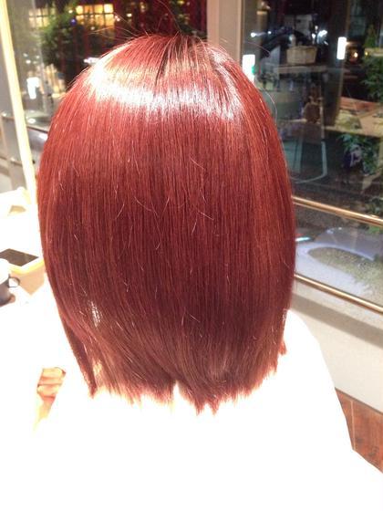 15レベルくらいのブリーチ毛から6レベルのレッドと3レベルのバイオレットで仕上げました! 綺麗な赤です!! MODEk's所属・山本勝志のスタイル