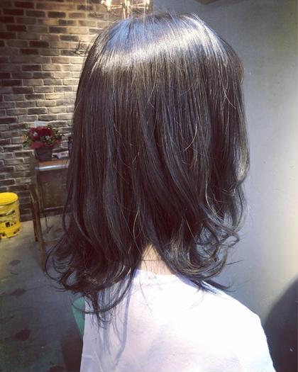 ブリーチなしのアッシュカラー✨髪の艶感はカラーだけでなくカットでも出せます!かわいい巻き方などはいつでもレクチャーします☆ Lietto hair&make所属・中島貴志のスタイル
