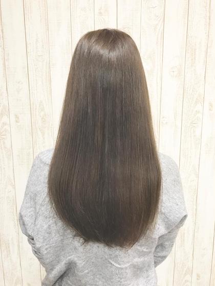 カラーは柔らかい雰囲気を出すライムアッシュです。 hair Grace  Daisy所属・GraceDaisyのスタイル