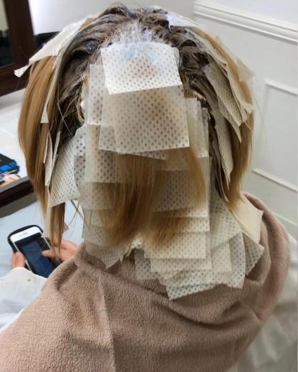 その他 カラー キッズ ショート パーマ ヘアアレンジ メンズ アイロンやコテを使う方のための、毛先に伸ばさない、ブリーチ塗布。