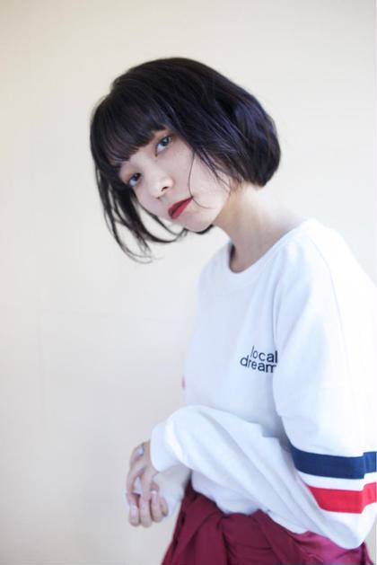 サラサラストレートに 毛先を外してコテで巻いてます✨ DECO所属・山崎優美のスタイル