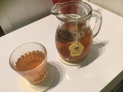 その他 よもぎ蒸し中やアフターティーで赤コーン茶もお出ししています。香りが高くスッキリとしたお茶です😊