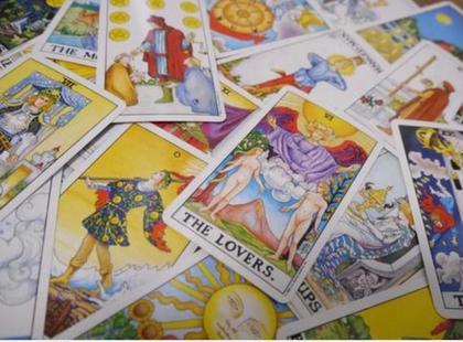 8月限定🎀【タロット占い🔮&エステ】🍀先着順🍀よくばりエステの前にプロによるカード占い😊肌も心も未来も楽しむ!