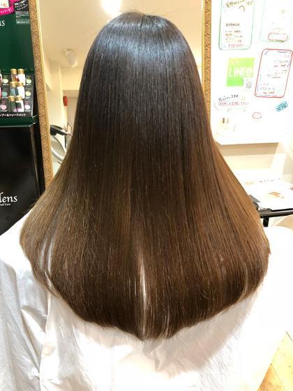 今日エクストラリペアトリートメントのお客様♪ 縮毛で細かいクセで広がってしまう髪質でもこの通り✨