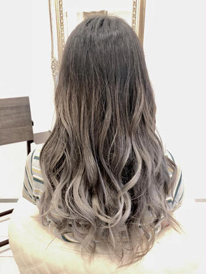 金子礼羅のロングのヘアスタイル