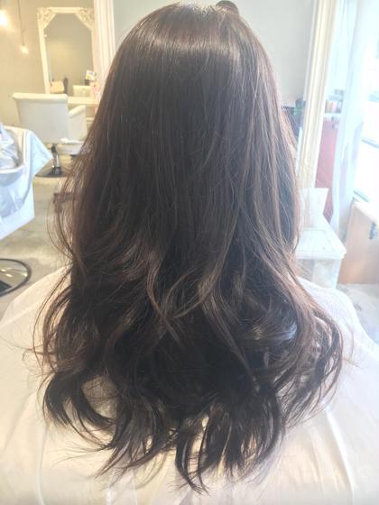8レベルのアッシュブラウン!重ためのロングです(*´꒳`*) dot hair所属・risa.のスタイル